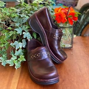 Brown leather Klogs with punched band detail